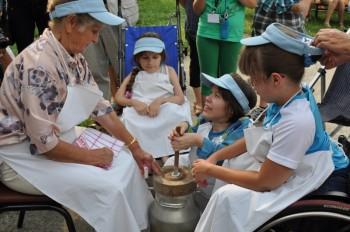 Miniatura zdjęcia: 5.07.2012r._cd.- XX Jubileuszowe Prezentacje Wokalne Dzieci i Młodzieży Specjalnej Troski_DSC_0242.J
