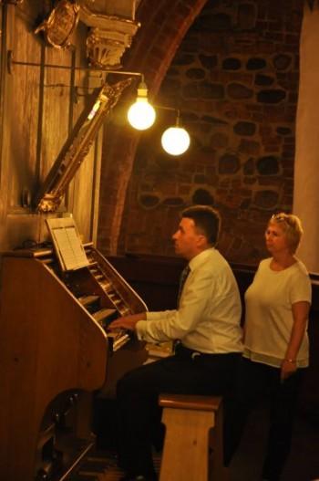 Miniatura zdjęcia: 23.08.2015 - 17 Festiwal Muzyki Kameralnej i Organowej - Lubsko_DSC_0323.jpg