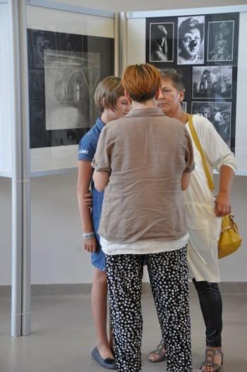 Miniatura zdjęcia: 25.07.2015 Wystawa prac artystów z Lubska i Forst pn. Tożsamość ?_DSC_0073.jpg