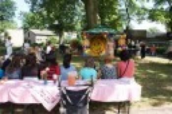 Miniatura zdjęcia: 01.07.2010r. Dziecu Europy- z wizytą w DPS [fot.I.Kulczyk]_DSC04884.JPG
