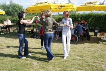 """Miniatura zdjęcia: 27.05.2009r. Biesiada w Rodzinnym Ogródku Działkowym """"Jutrzenka""""[foto:I.Kulczyk]_DSC09575.JPG"""