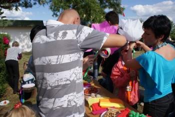 """Miniatura zdjęcia: 27.05.2009r. Biesiada w Rodzinnym Ogródku Działkowym """"Jutrzenka""""[foto:I.Kulczyk]_DSC09599.JPG"""