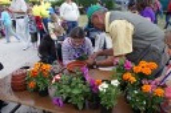 """Miniatura zdjęcia: 27.05.2009r. Biesiada w Rodzinnym Ogródku Działkowym """"Jutrzenka""""[foto:I.Kulczyk]_DSC09739.JPG"""