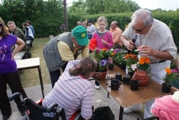 """Miniatura zdjęcia: 27.05.2009r. Biesiada w Rodzinnym Ogródku Działkowym """"Jutrzenka""""[foto:I.Kulczyk]_DSC09742.JPG"""