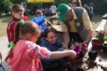 """Miniatura zdjęcia: 27.05.2009r. Biesiada w Rodzinnym Ogródku Działkowym """"Jutrzenka""""[foto:I.Kulczyk]_DSC09746.JPG"""