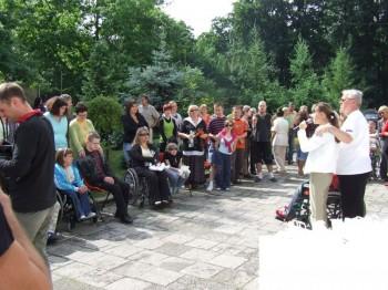 Miniatura zdjęcia: 05.07.08 Pożeganie uczestników festiwalu Dzieci Europy-Europakinder_pozegnanie081.JPG