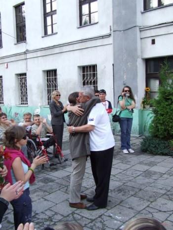 Miniatura zdjęcia: 05.07.08 Pożeganie uczestników festiwalu Dzieci Europy-Europakinder_pozegnanie085.JPG