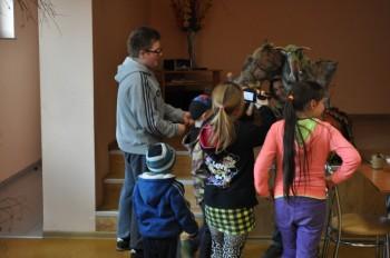 Miniatura zdjęcia: 22.04.2015 Teatr lalek. Zajęcia z instruktorem LDK- Grabków_obraz2008.jpg