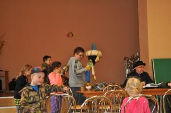 Miniatura zdjęcia: 22.04.2015 Teatr lalek. Zajęcia z instruktorem LDK- Grabków_obraz2010.jpg
