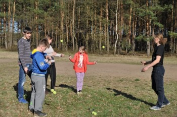 Miniatura zdjęcia: 16.04.2015 Aktywizacja świetlic wiejskich - zajęcia z instruktorami - Dąbrowa_dsc_0122.jpg