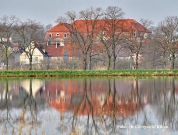 Miniatura zdjęcia: 02.11.-30.11.2015 Wystawa fotografii Krzysztofa Kiliana LUSTRZANE & ŚWIATŁO_065.jpg